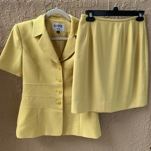 KASPER Golden Short Sleeve Skirt Suit - Size 4